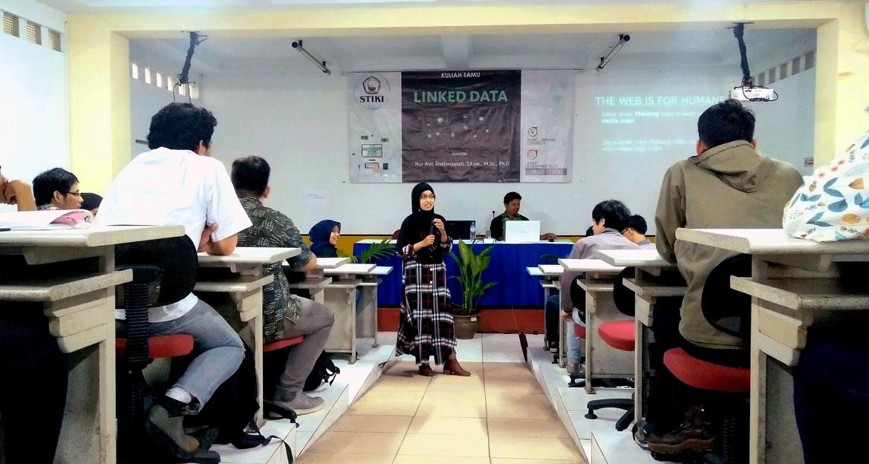 STIKI Gelar Kuliah Tamu Linked Data