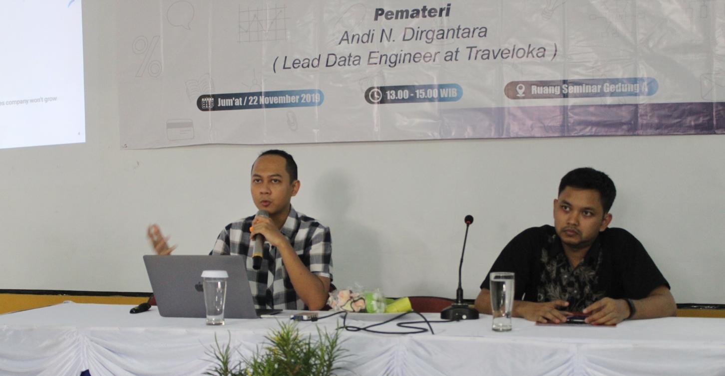 Tim Traveloka Berikan Kuliah Tamu, Mahasiswa STIKI Malang Panen Ilmu