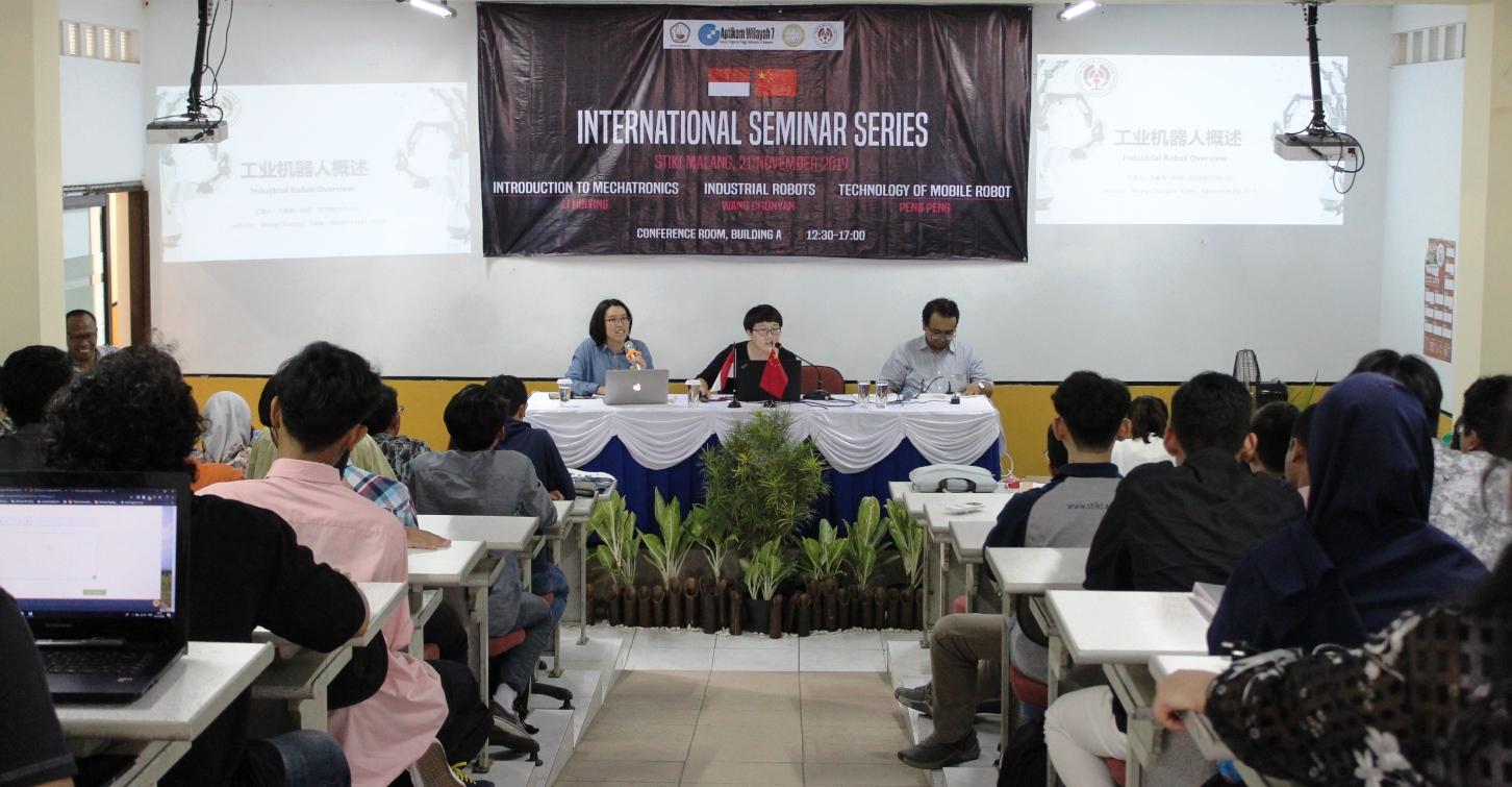 Internasional Seminar Series, Pakar Dari China Sebut Robot Mulai Kuasai Industri Hingga Pekerjaan Rumah Tangga